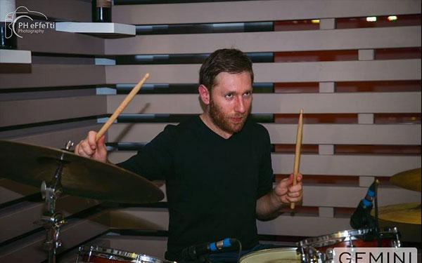 Alessandro Di Cori lezioni di batteria pop e rock